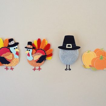Explore these fun Thanksgiving activities and crafts that you and your students can do in the classroom #thanksgiving #thanksgivingintheclassroom #thanksgivingclassroom #thanksgivingactivities #thanksgivingcrafts #classroomideas #teachingideas #holidaysintheclassroom